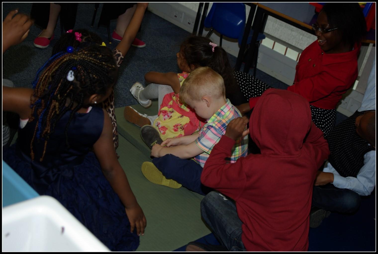 KIDS IN PRAYER